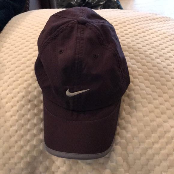f31a18811b8 Nike Women s hat. M 5ba81909035cf1d457efe148. Other Accessories ...